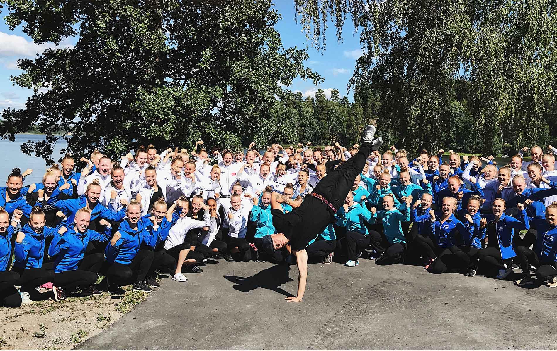 Motivaatiota ja asennetta joukkuevoimistelun maajoukkeringin treenileirillä